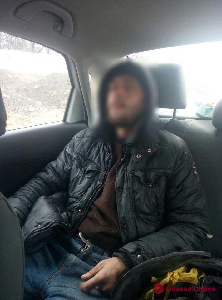 В Одессе поймали «зеркального» автовора-рецидивиста