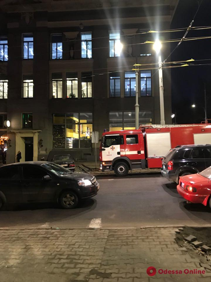 Одесса: с «Городского рынка еды» эвакуировали людей