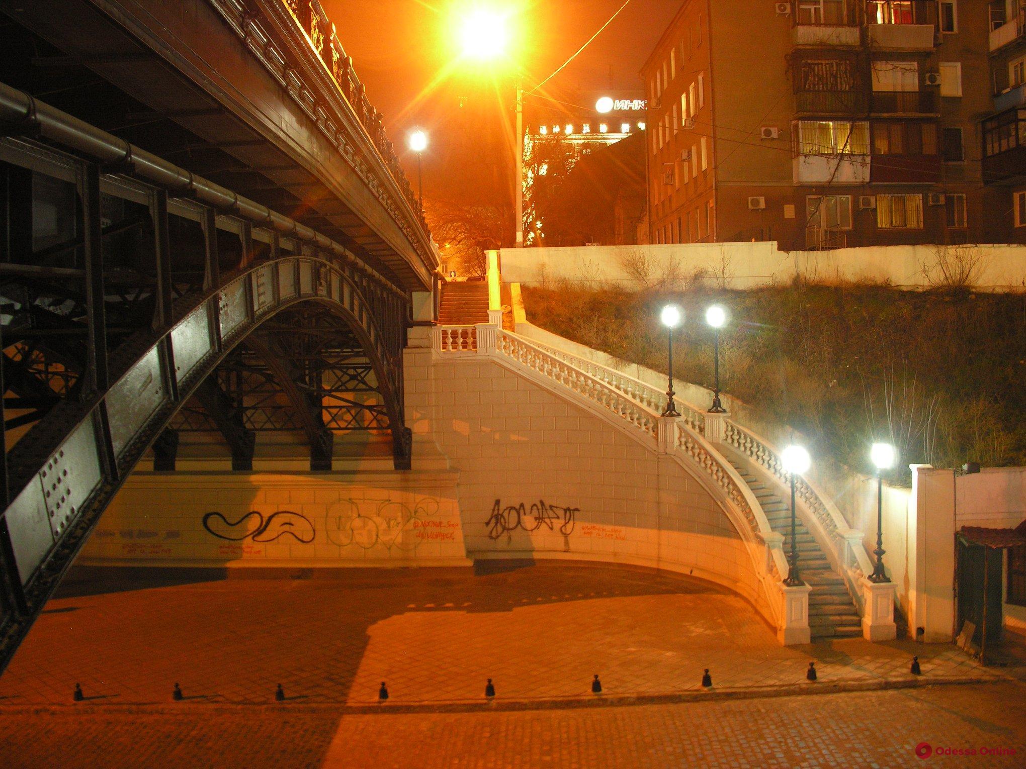 На мост Коцебу нанесут антивандальное покрытие