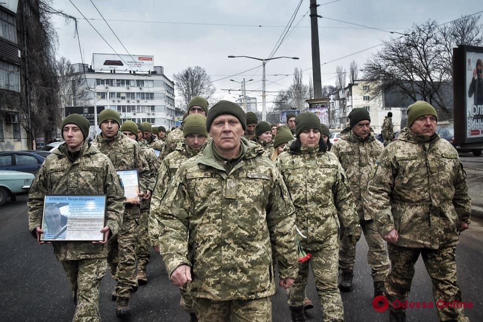 Бойцы 28-й мехбригады прошли маршем по центральным улицам Одессы