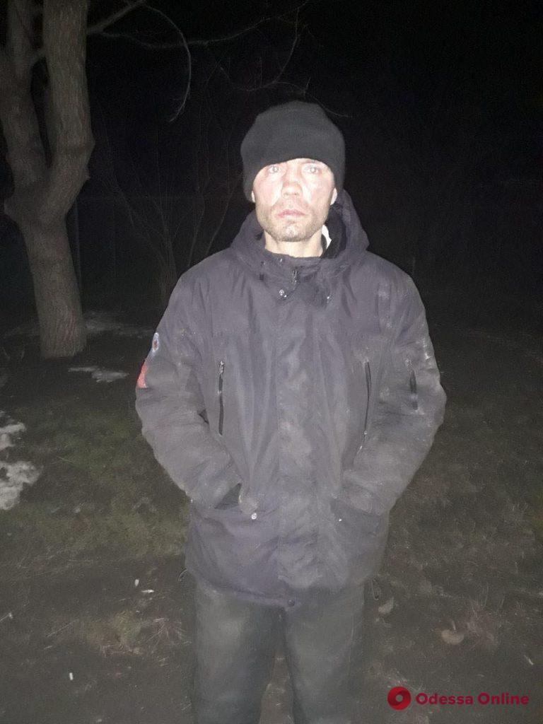 Тащили автомобильный прицеп: в Одессе задержали двух воров