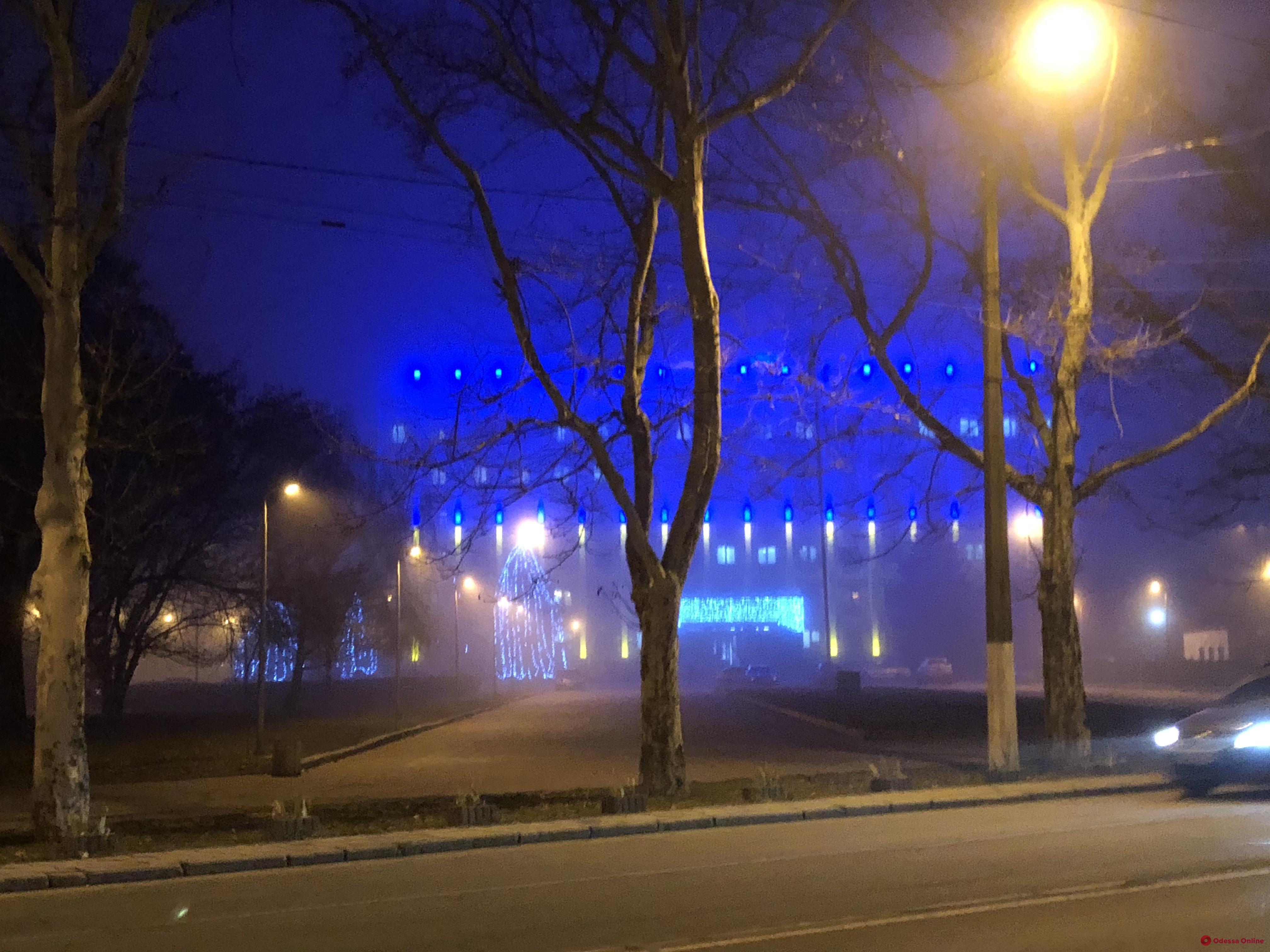 Густой туман: полиция просит не выезжать на трассу Одесса — Киев