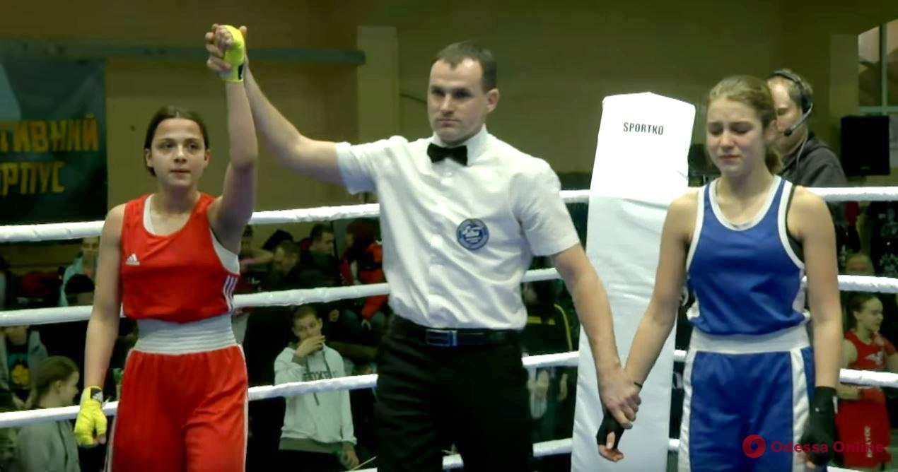 Одесситки удачно выступили на женском чемпионате Украины по боксу