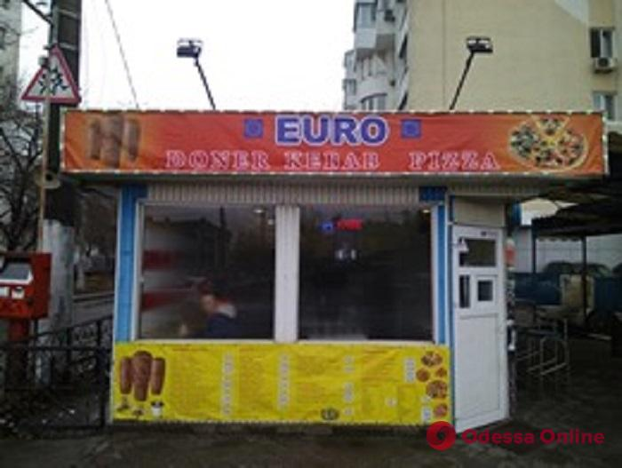 В Одессе демонтировали свыше 80 рекламных вывесок