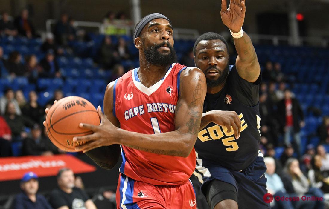 Баскетбольный клуб «Одесса» пополнил свои ряды еще одним американцем