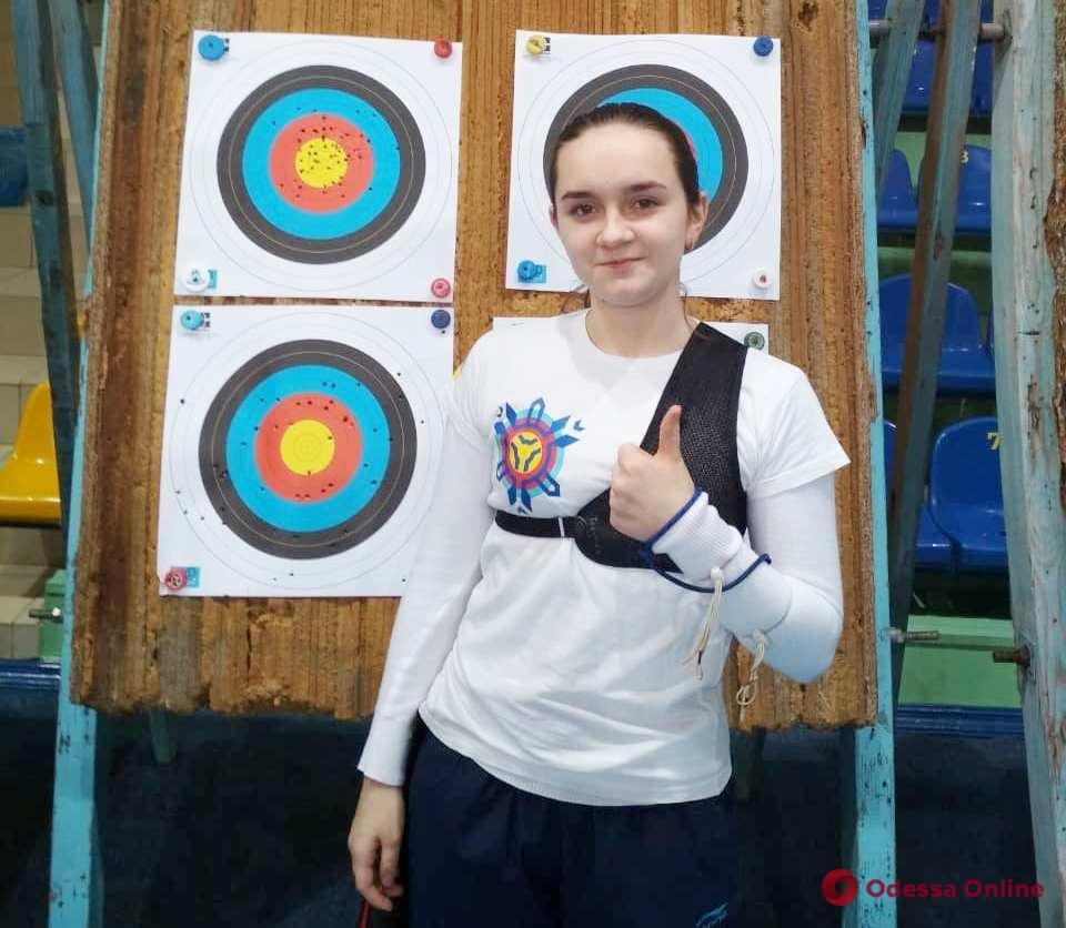Одесситка завоевала «золото» чемпионата Украины по стрельбе из лука