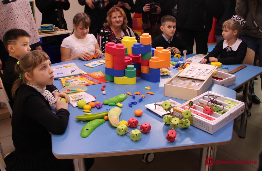 Марина Порошенко открыла комнату для инклюзивного обучения в школе под Одессой