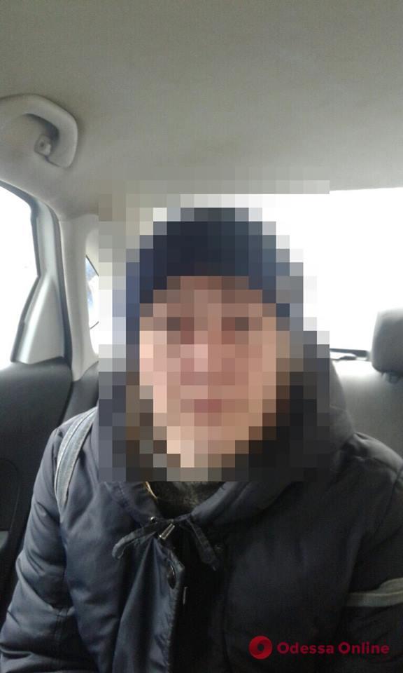 Обокрала в почтовом отделении: в Черноморске поймали воровку