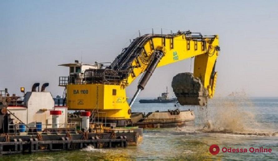 В Измаильском порту завершили крупнейший за 11 лет проект по дноуглублению