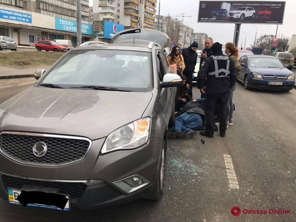 В Одессе водитель авто потерял сознание и попал в ДТП