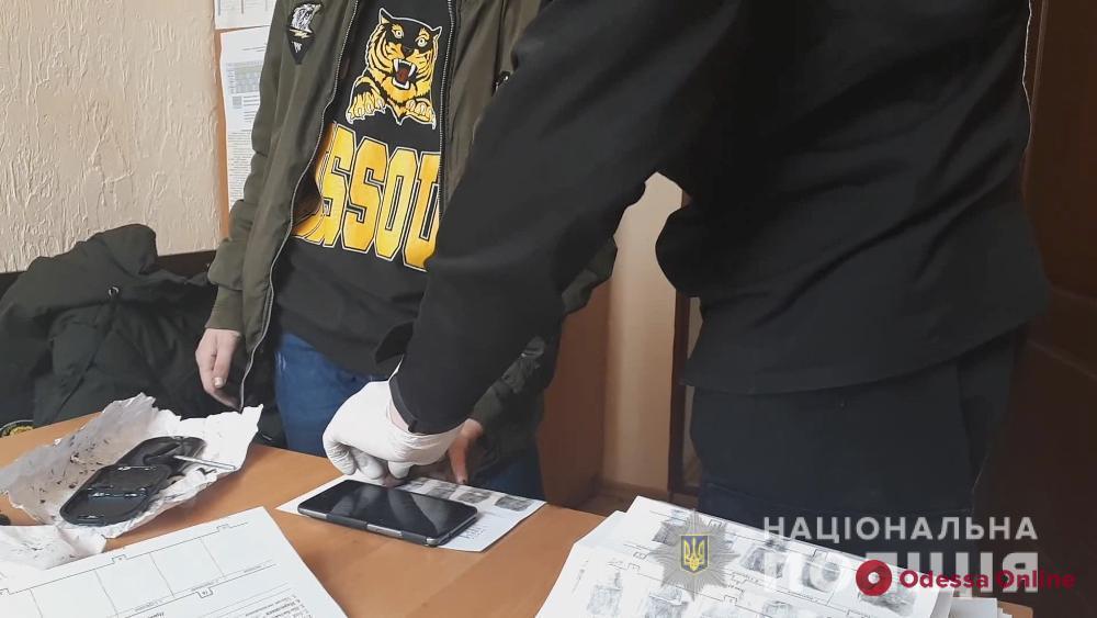 Ограбили и избили: в Одесской области оперативно задержали пятерых разбойников