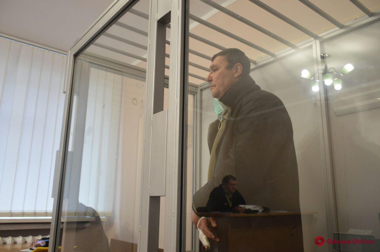 Поножовщина в одесском троллейбусе: суд отправил подозреваемого в СИЗО