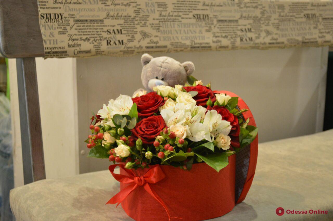 День всех влюбленных в Одессе: особого спроса на цветы пока нет