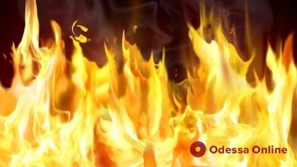 В Одессе при пожаре серьезно пострадал мужчина