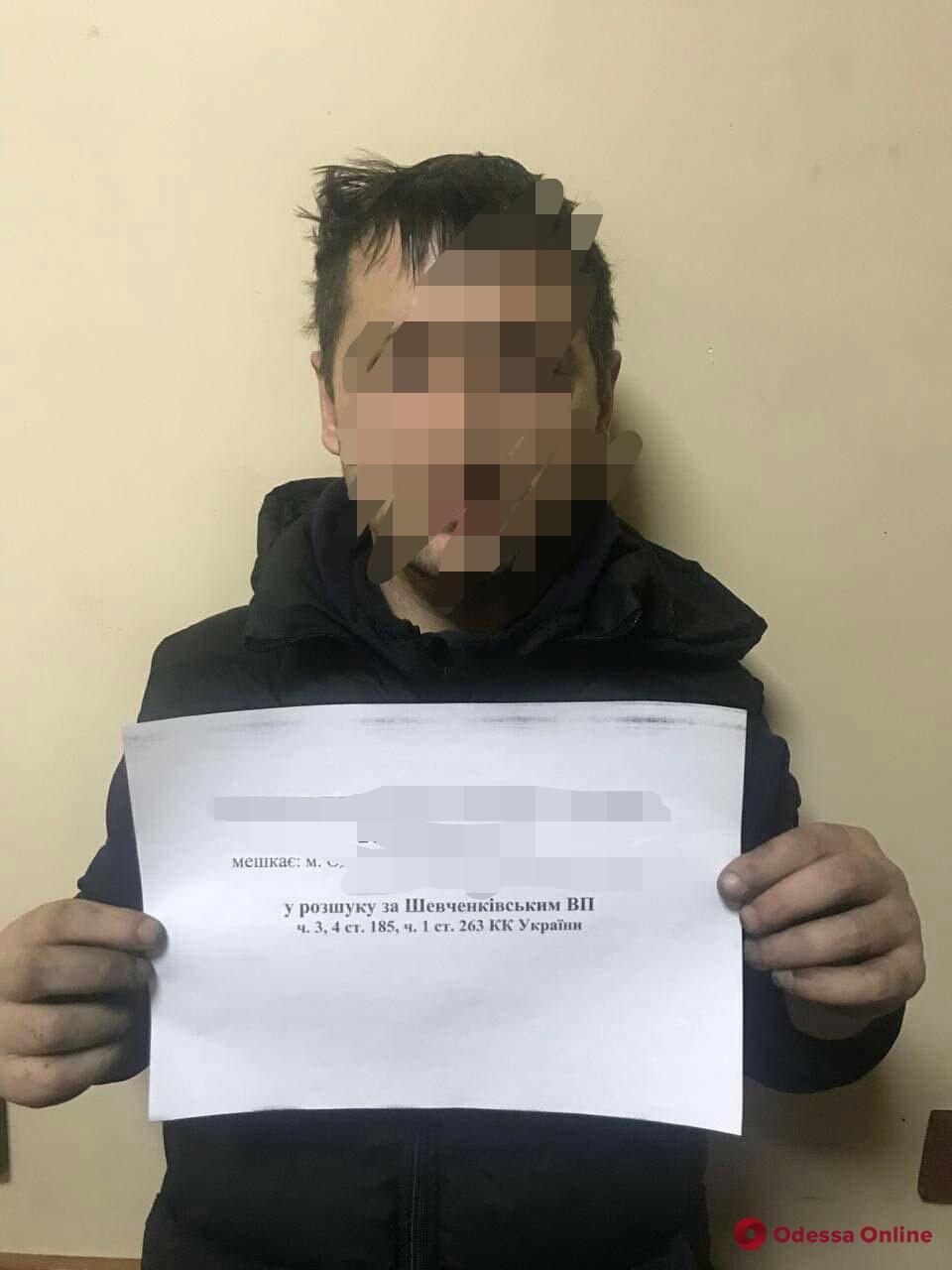 Семь лет скрывался от следствия: в Одессе задержали вора