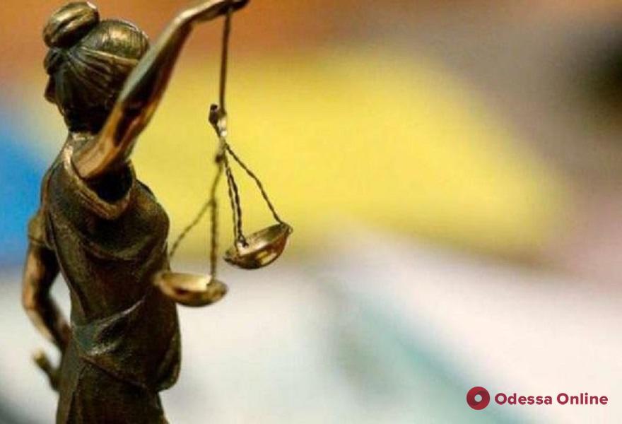 Наворовали зерна на 250 тысяч: железнодорожникам грозит до двенадцати лет тюрьмы