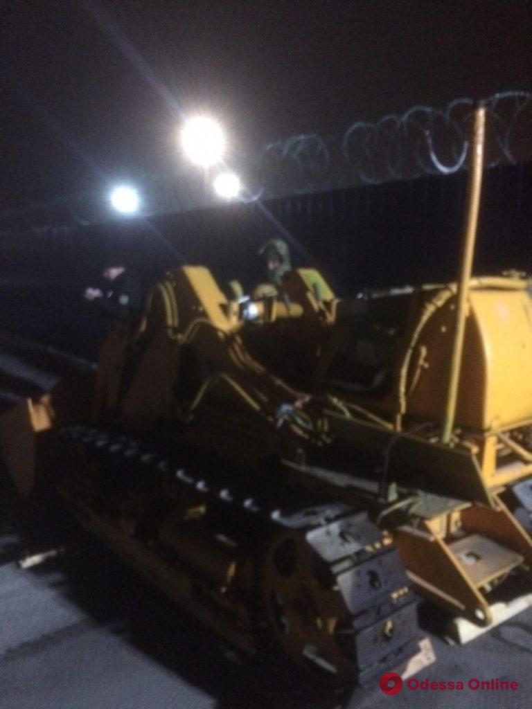 В Одесском порту обнаружили угнанный в Греции трактор