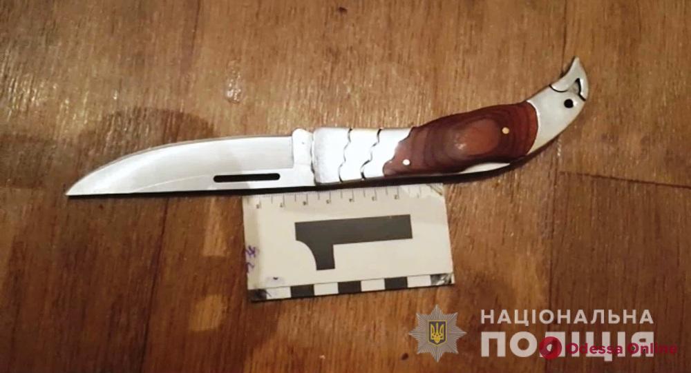 Одесситу грозит пожизненное заключение за нападение с ножом на полицейского