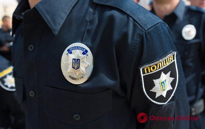 Одесса: нападавшего с ножом на полицейского отправили в СИЗО