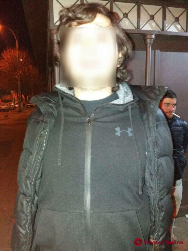 На Пантелеймоновской трое грабителей напали на прохожего