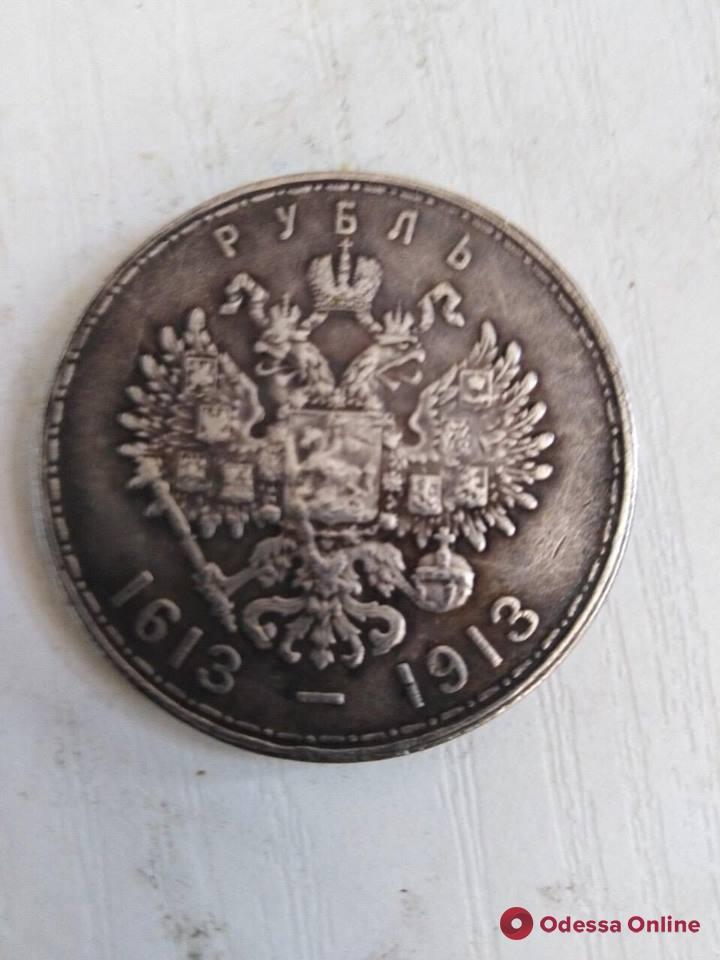 В Одесской области грузин незаконно перевозил старинные монеты