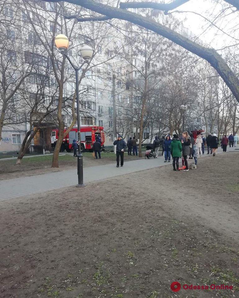 На поселке Котовского горела квартира в многоэтажке (обновлено)