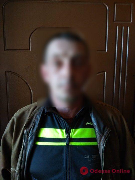 Украл за один раз 16 холодильников и 13 телевизоров: под Одессой задержали серийного вора