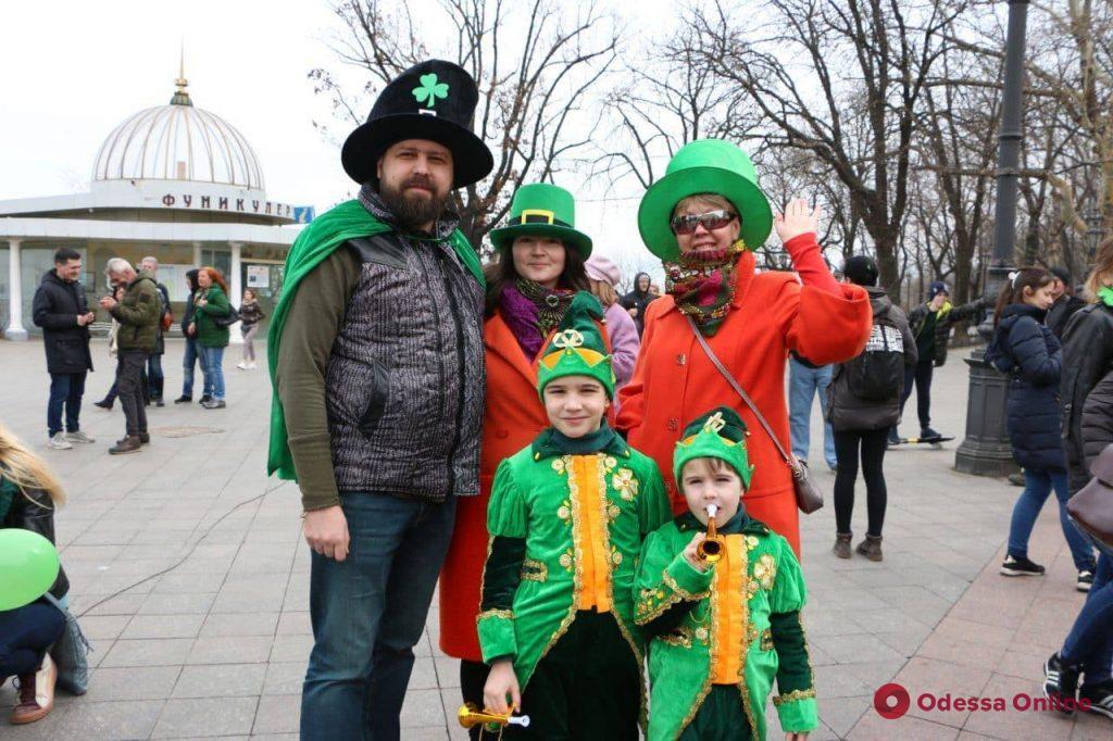 Самый зеленый праздник отметили сегодня в Одессе (фоторепортаж)