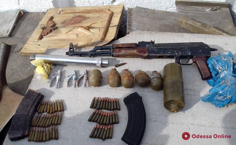 У жителя Одесской области нашли арсенал оружия и боеприпасов (обновлено)