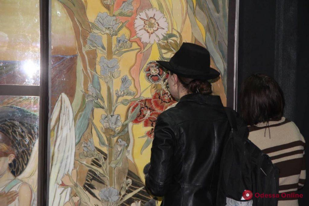 Бендер, Фрида Кало и человек-паук: в одесском музее показали необычного Кобзаря