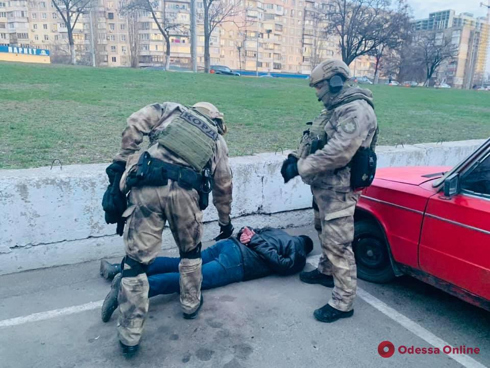 В Одессе задержали группу вымогателей (фото, видео)