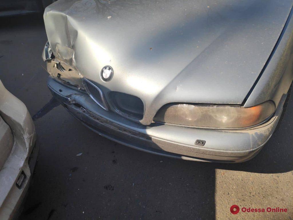 На Черемушках BMW сбил мать с ребенком