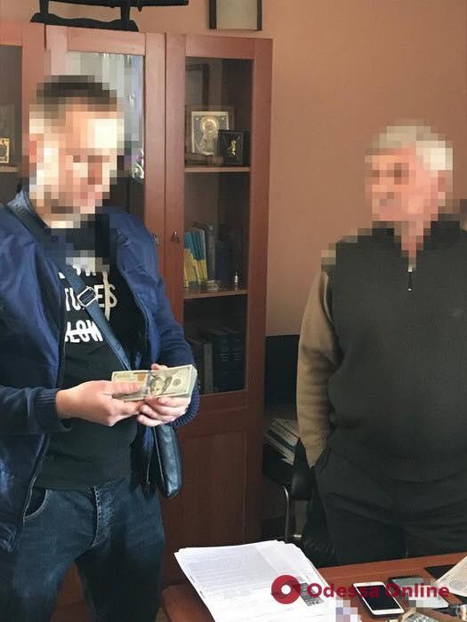 Одесский судья ответит перед законом за взятку