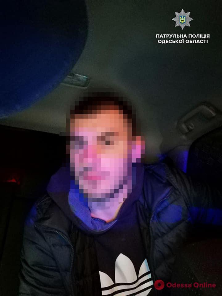 Одесские патрульные оперативно задержали угонщика авто