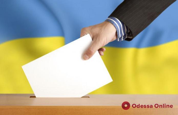 Экзит-полы: Зеленский и Порошенко проходят во второй тур президентских выборов