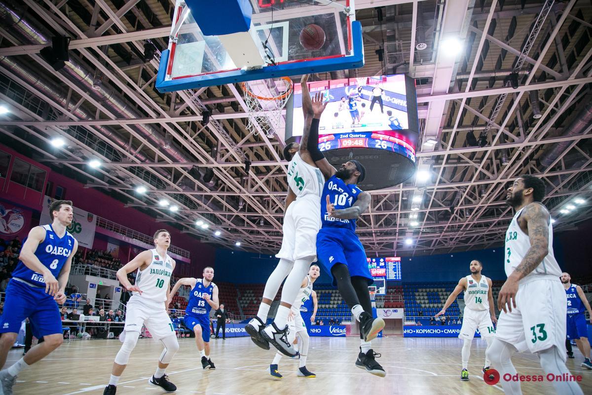 Баскетбол: БК «Одесса» проигрывает, «Химик» становится лидером
