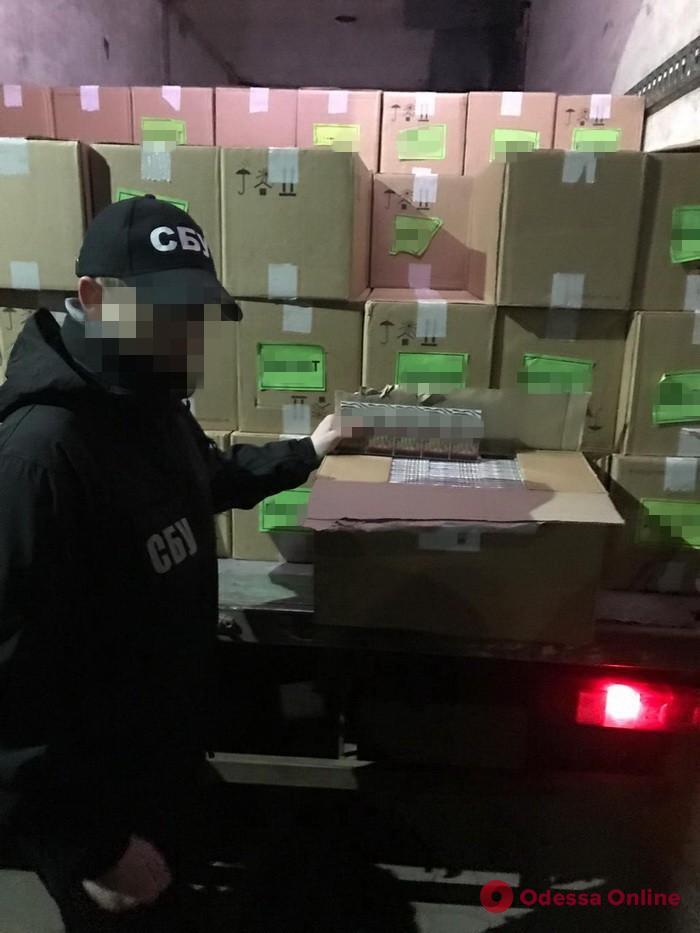 В Одесской области блокировали контрабанду сигарет на 4 миллиона гривен
