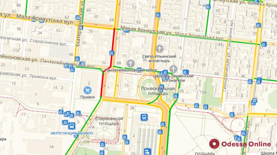 Дорожная обстановка в Одессе: пробки на поселке Котовского, на Таирова и в центре