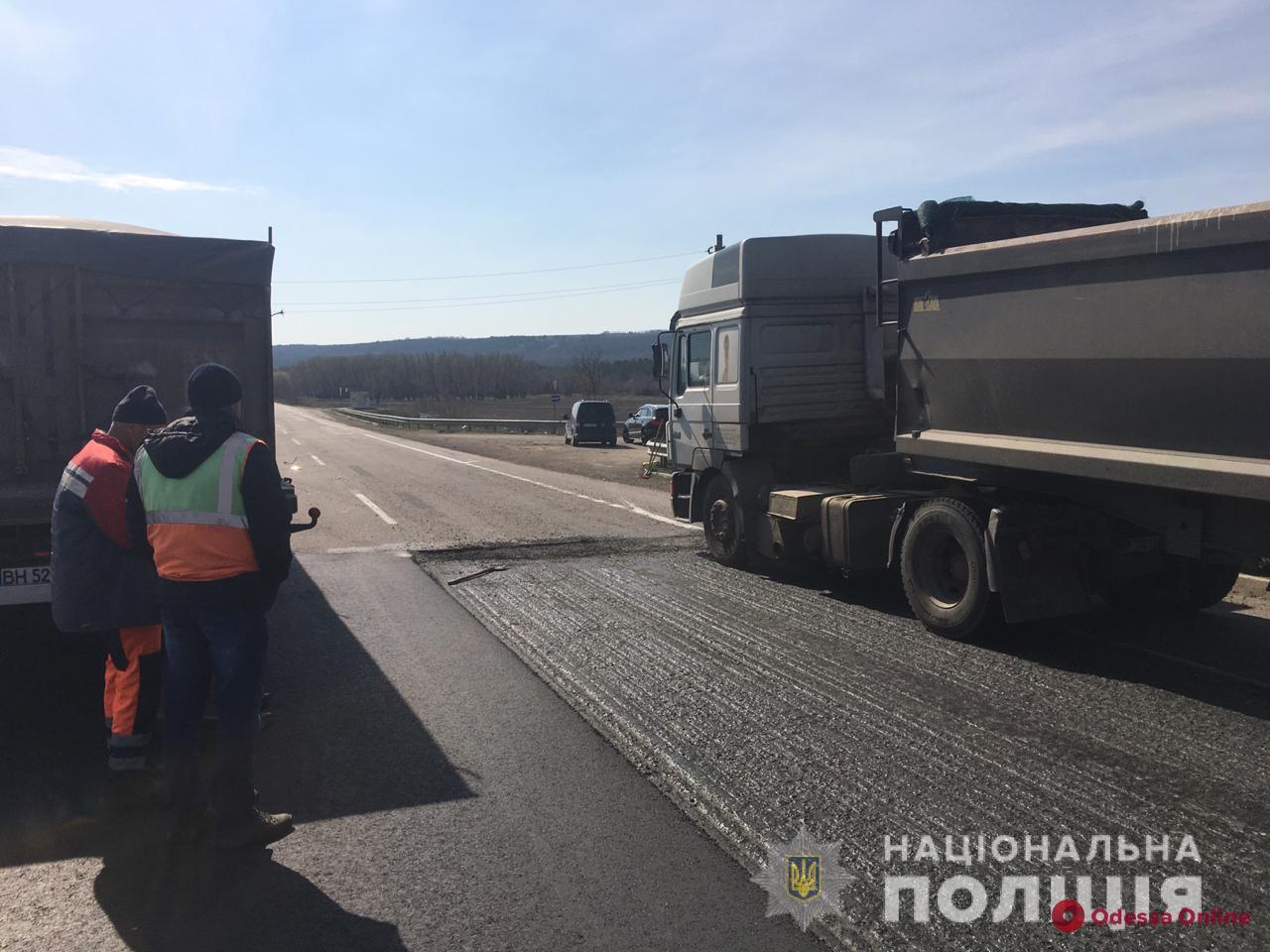 Сбитый на трассе Киев—Одесса работник дорожной службы скончался в больнице
