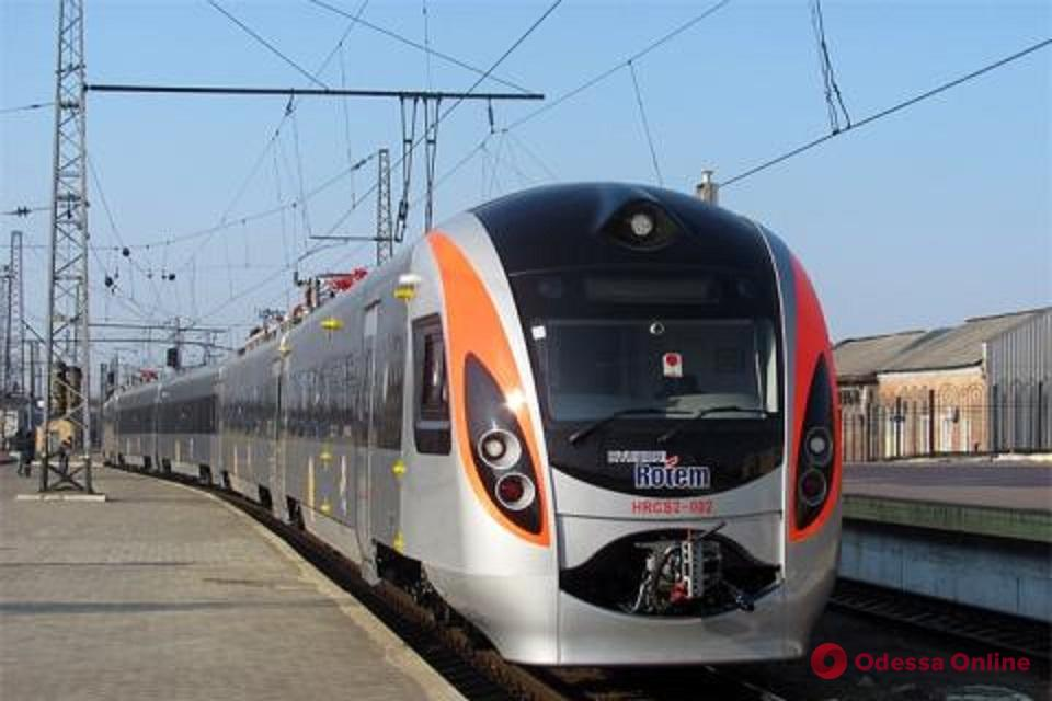 В новом поезде Одесса—Киев пассажир избил стюарда