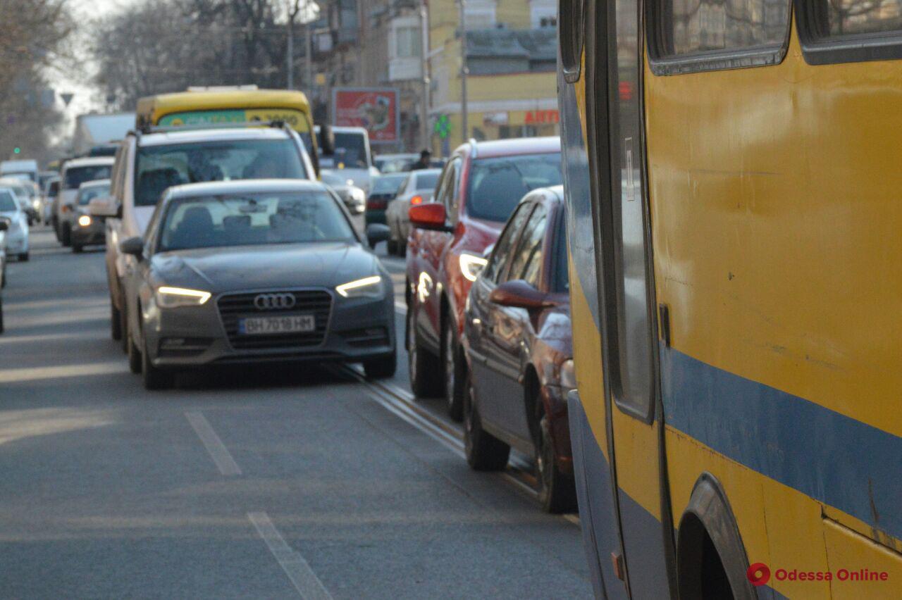 Дорожная обстановка в Одессе: пробки на поселке Котовского