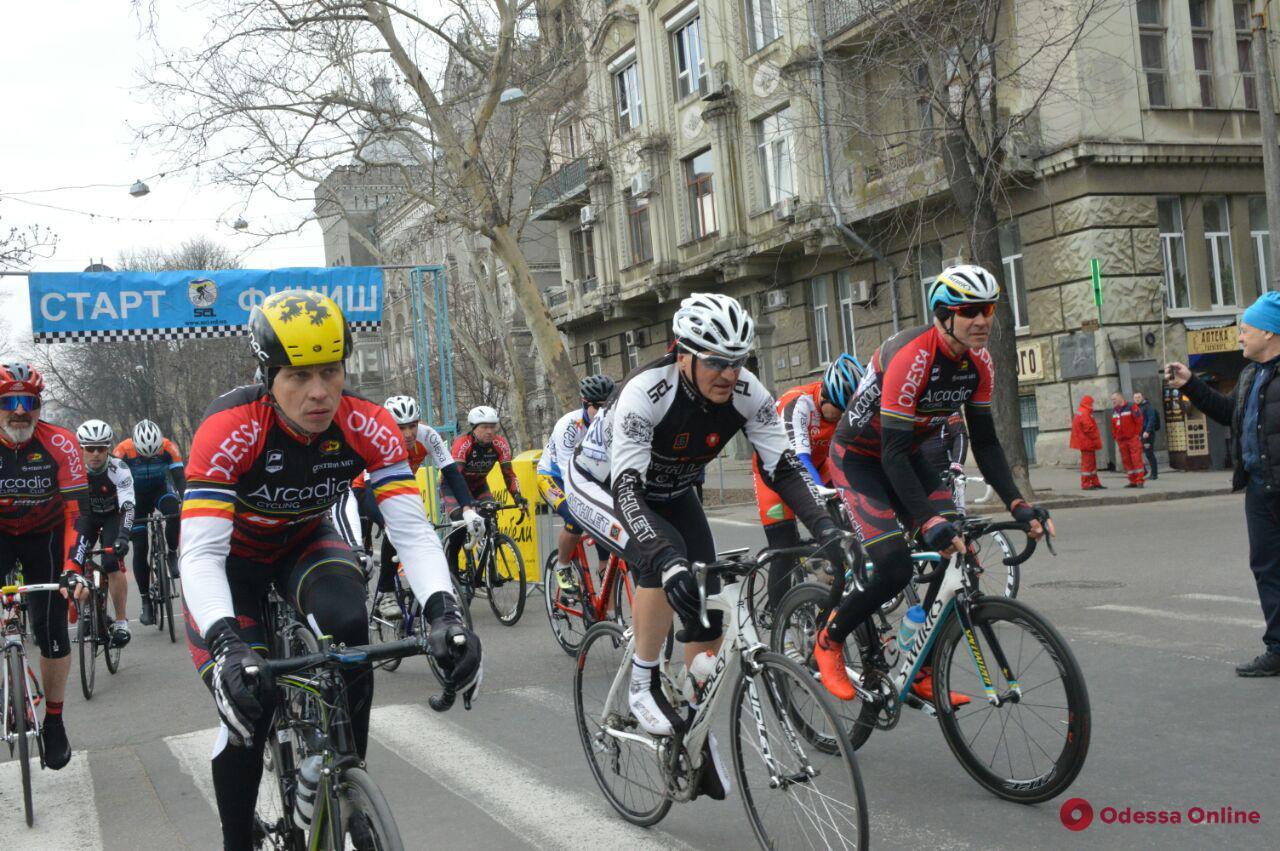 В Одессе стартовала велогонка «Мемориал Уточкина» (фото)