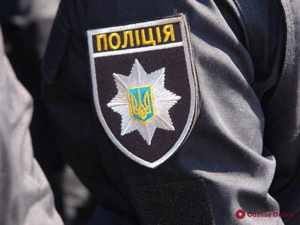 Одесская область: патрульный ударил дубинкой пассажира авто