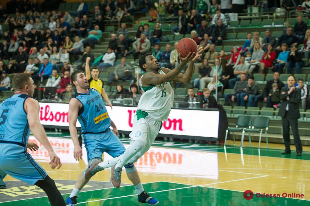 Баскетбол: южненский «Химик» выиграл первый матч полуфинальной серии плей-офф
