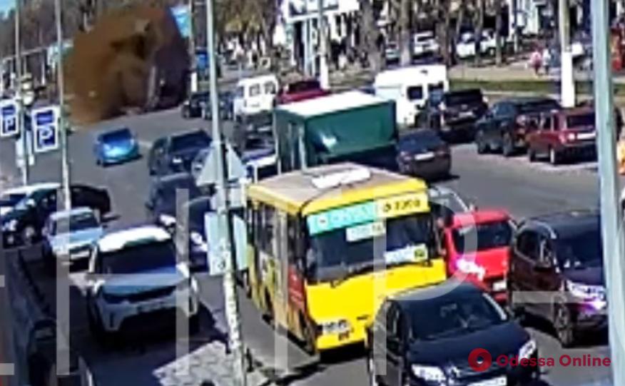 Появилось видео взрыва газа на Фонтанской дороге (видео)