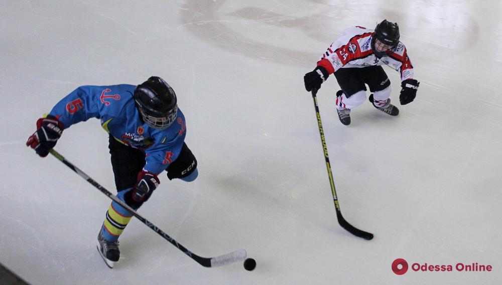 Хоккей: одесситы обменялись победами с львовянами перед матчами плей-офф