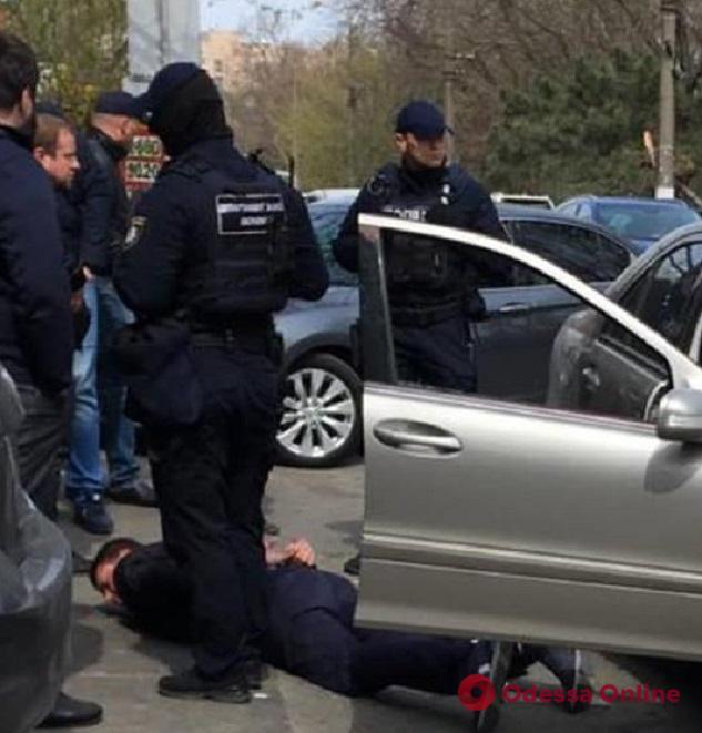 Прокурора из Белгорода-Днестровского поймали на большой взятке (фото, видео)