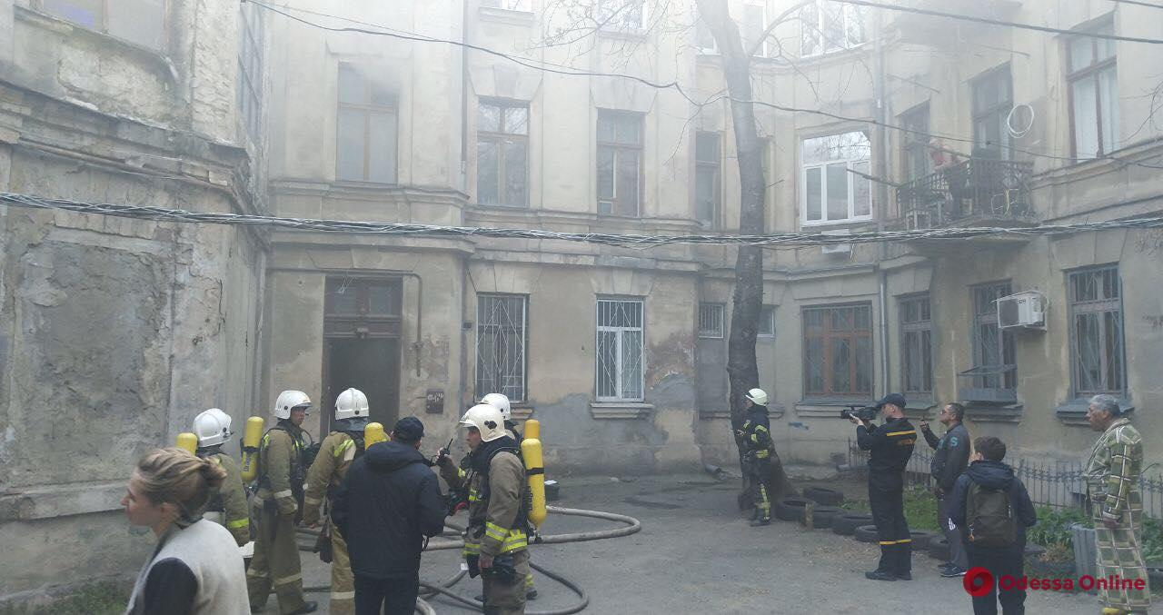 На Тираспольской загорелся подвал – жильцов дома эвакуировали