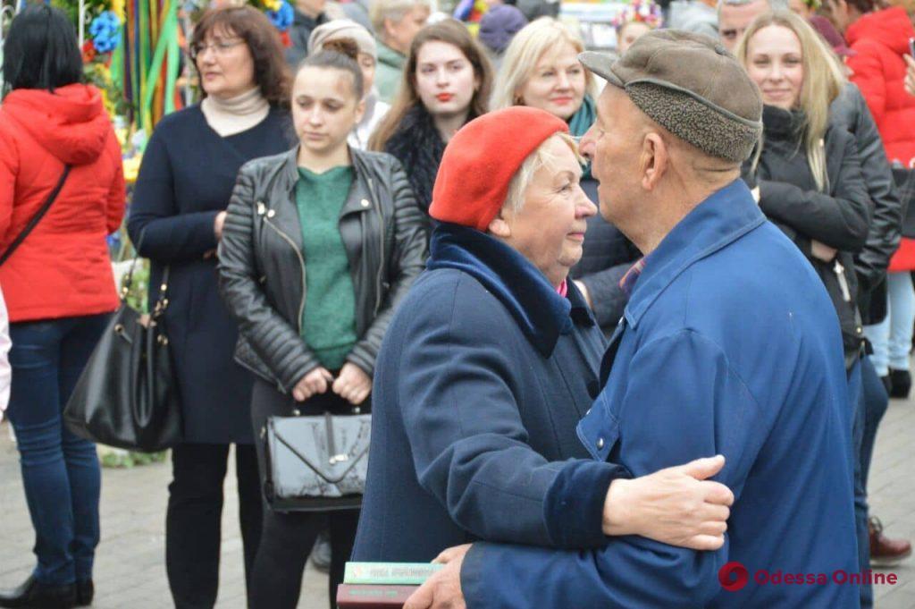Литературные герои и живая музыка: в Одессе прошел «Букфест» (фоторепортаж)