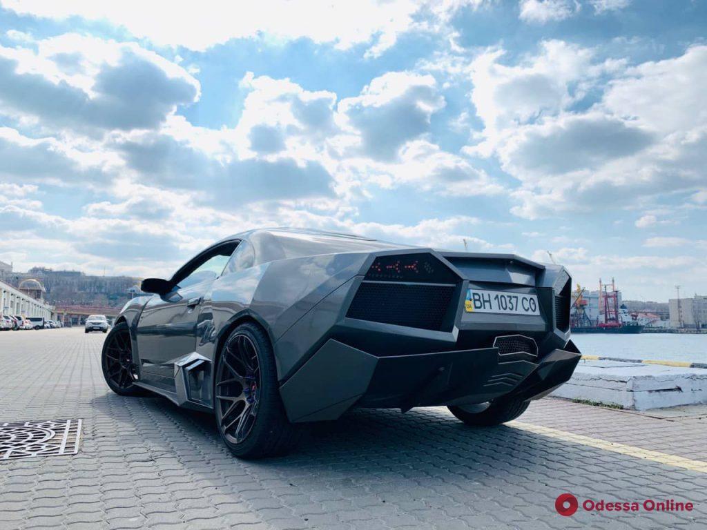 Из Mitsubishi в Lamborghini: одесский умелец превращает обычные авто в коллекционные модели